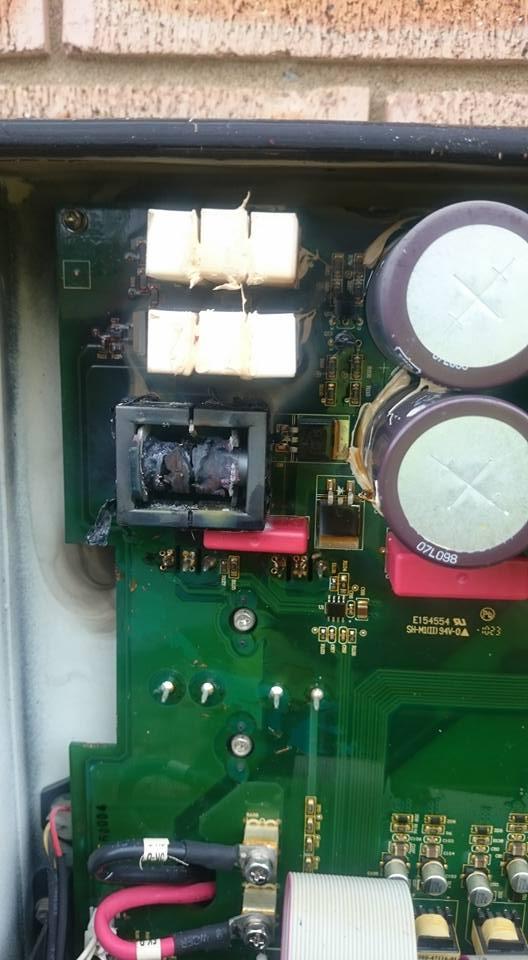 Burnt DC circuit inside string inverter